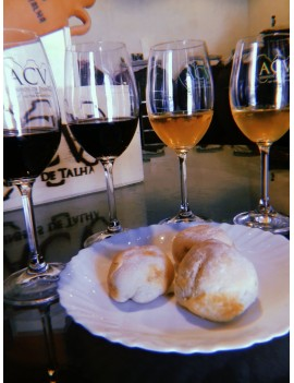 Degustação 4 Vinhos + tapas...